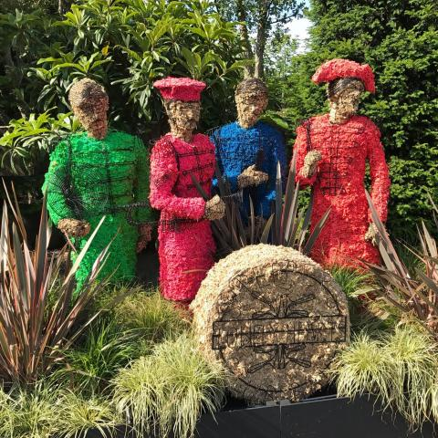 Clifton Nurseries - The Beatle come to Addlestone