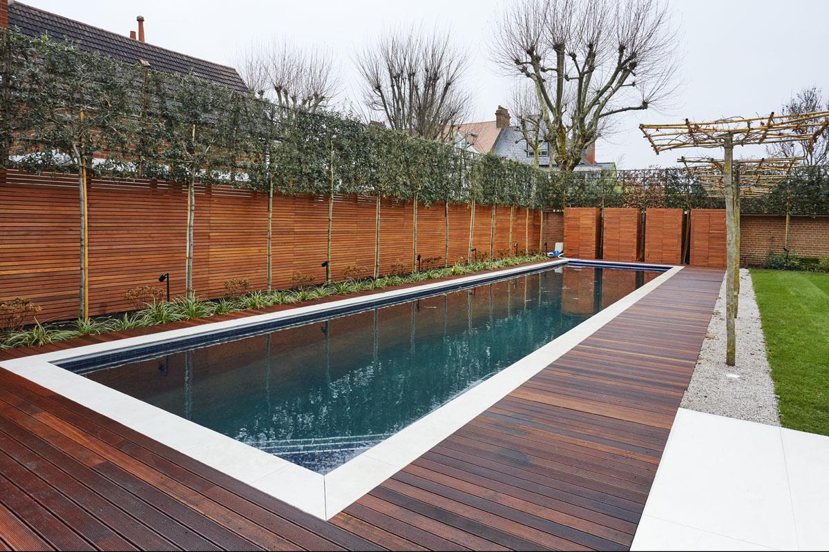 Contemporary Townhouse Garden - Pool