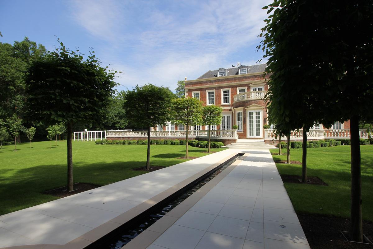 Clifton Nurseries Country Garden - Rill