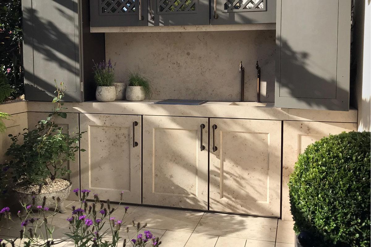 Clifton Nurseries - Courtyard Garden and Outdoor Kitchen