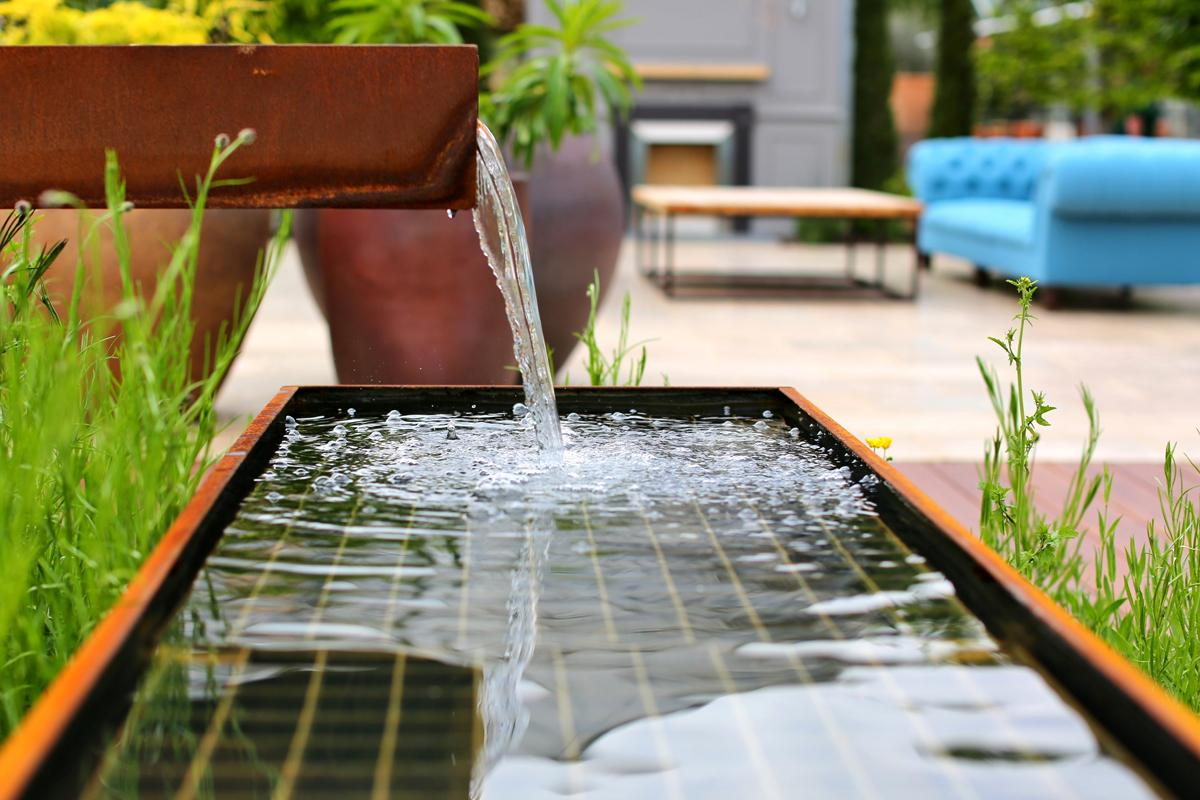 The Etoile - Water Feature