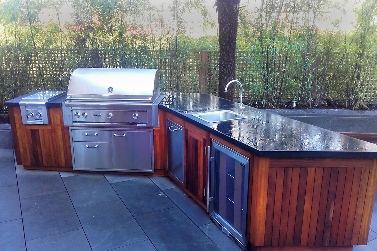 clifton nurseries iroko panelled outdoor kitchen rh clifton co uk Outdoor Kitchen Refrigerator Portable Outdoor Kitchen Sink