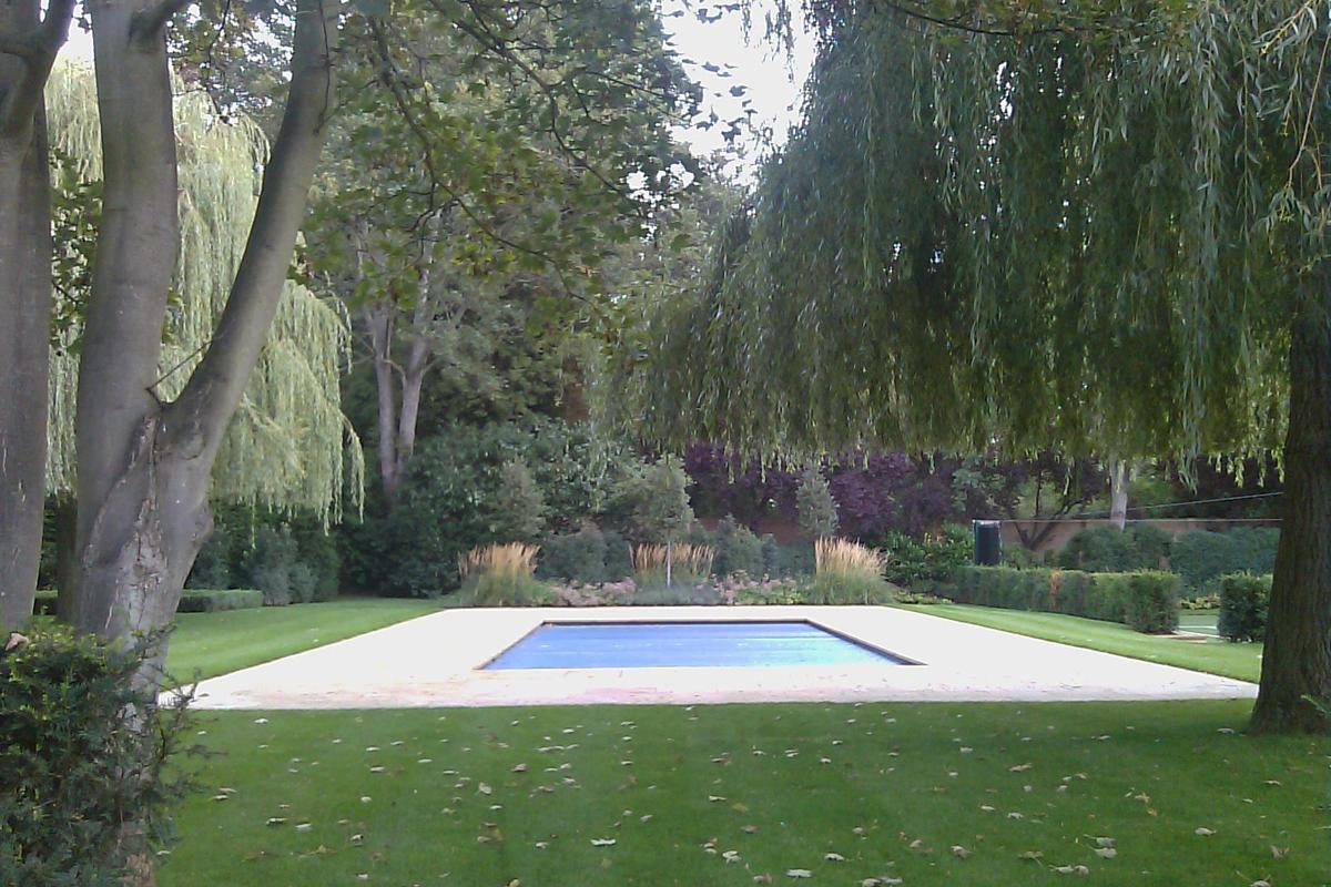 Large Country Garden Swimming Pool