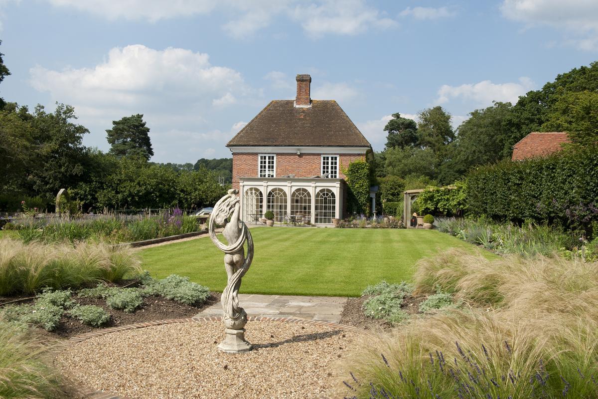 Clifton Nurseries Riverside Garden - Lawn