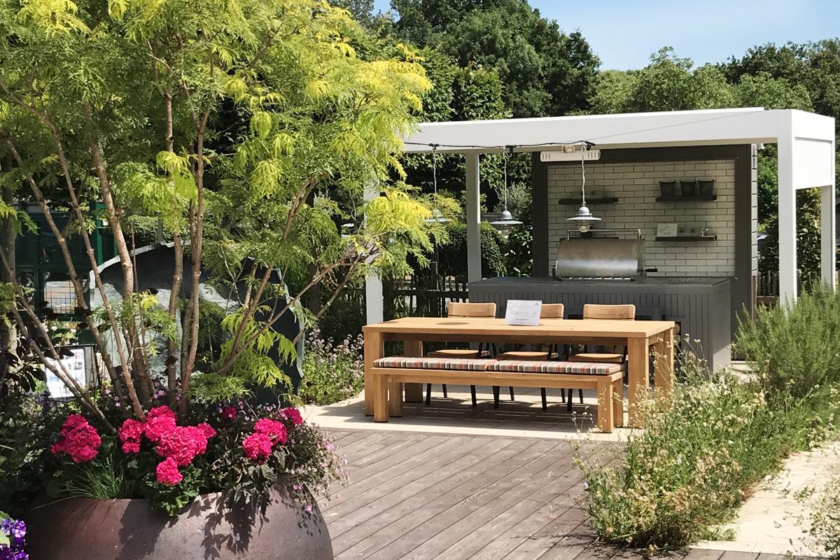 Broadview pergola in show garden at Clifton Surrey