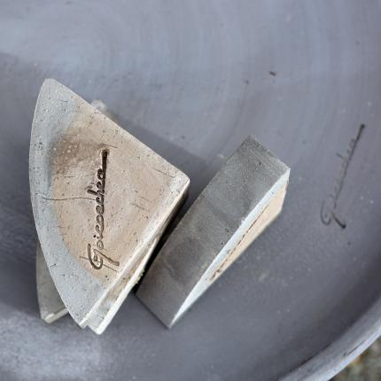 Clifton Nurseries Goicoechea Pot Feet Quadrant in Grey