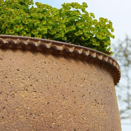 Clifton Nurseries pot company giant old ironstone planter pattened edge detail