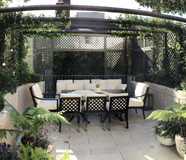 Clifton Nurseries Courtyard Garden and Outdoor Kitchen