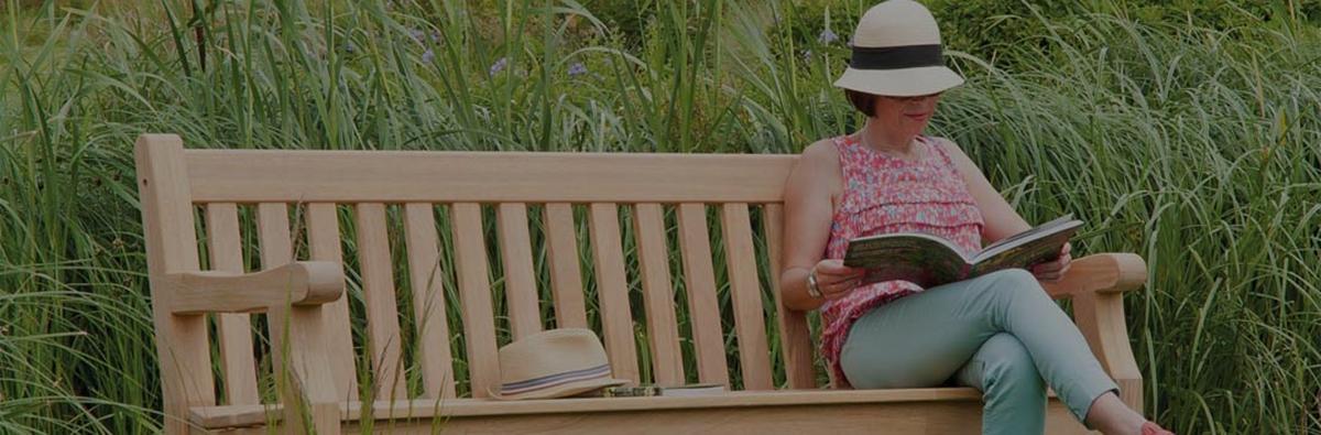 Clifton Nurseries alexander rose park bench 4 seater