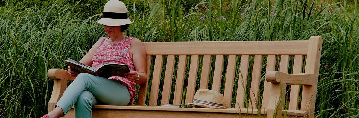Clifton Nurseries alexander rose park bench 5ft