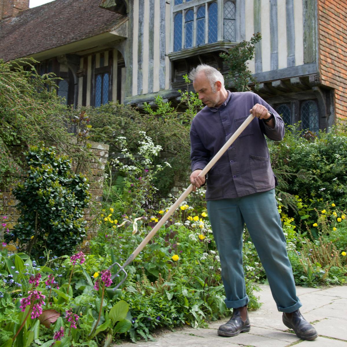 Sneeboer great dixter tickling fork for Quality garden furniture