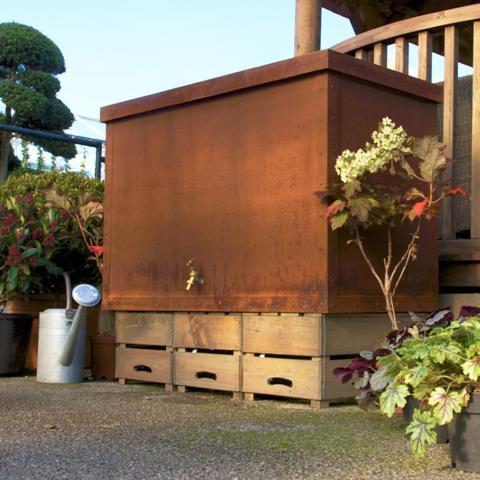Clifton Nurseries living green brunnel water tank rust